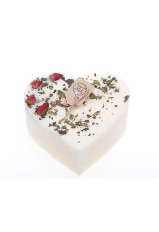 Szív alakú, pezsgő és rózsa illatú, rózsarügyekkel díszített gyertya