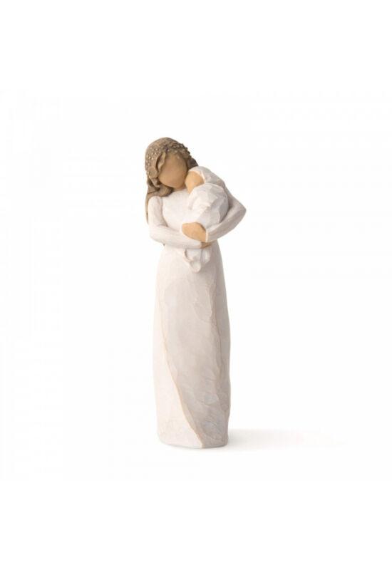 Szentély Willow Tree figura, Álló női alak krémszínű ruhában, kezében tartja a csecsemőt csomagolva krémszínű takaróba.